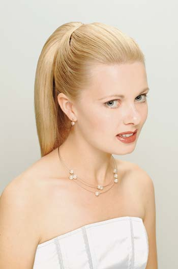 A sleek ponytail can even be created for your wedding hair style